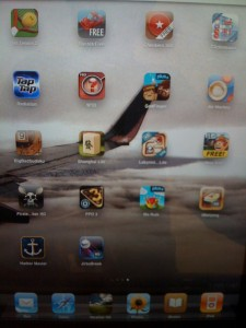 ipad games 225x300 Hooked to the iPad